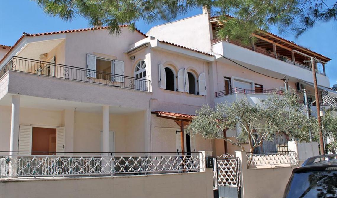 Аттика дом