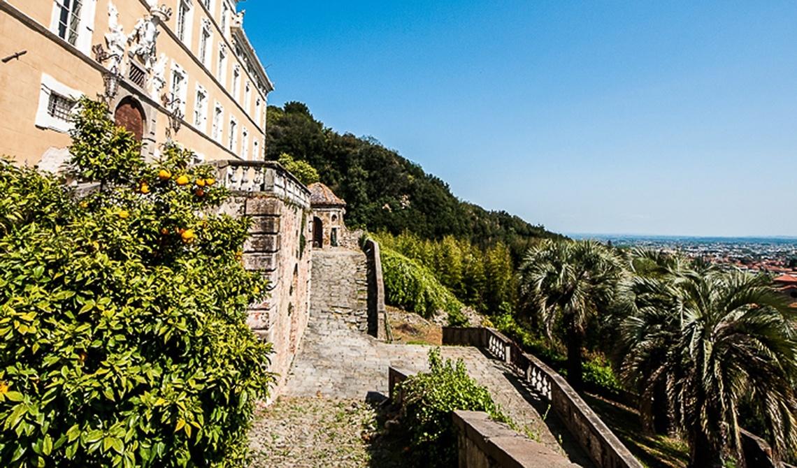 For sale Villa in Denia Montecatini Terme